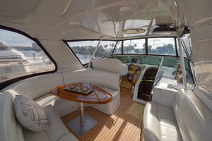 53' Carver 530 Voyager Skylounge 2002 Bridge Seating