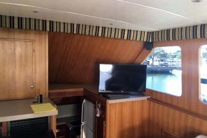 46' Hatteras Sportfish 1979 Salon TV