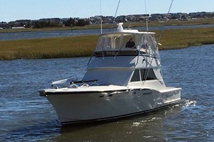 46' Hatteras Sportfish 1979 Port Bow View