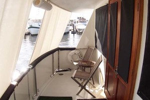 61' Hatteras 61 Motoryacht 1980 Aft Raised Cockpit to Port