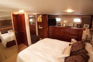 61' Hatteras 61 Motoryacht 1980 Master Stateroom Stbdside