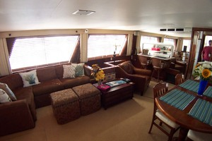 61' Hatteras 61 Motoryacht 1980 Saloon to Stbd Aft
