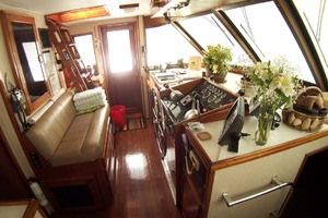 61' Hatteras 61 Motoryacht 1980 Wheelhouse to Port
