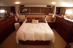 61' Hatteras 61 Motoryacht 1980 Master Stateroom