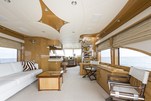 65' Marquis 65 Skylounge 2008 Salon looking forward 2