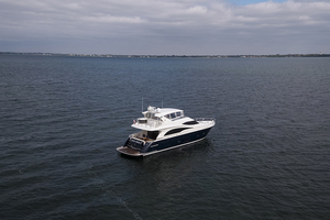 65' Marquis 65 Skylounge 2008 STBD profile 5