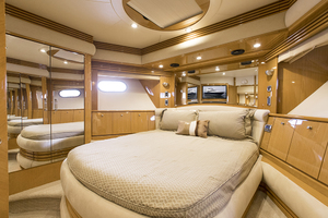 65' Marquis 65 Skylounge 2008 VIP stateroom view 2