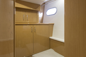 65' Marquis 65 Skylounge 2008 Washer and dryer storage