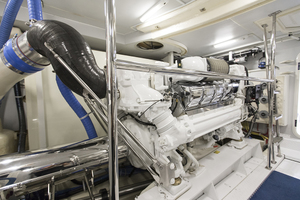 69' Marquis 65 Skylounge 2008 Engine room view 4