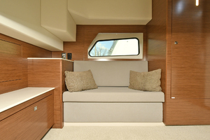 39' Cruisers 390 Express 2015 Master Stateroom - Settee