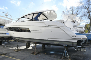 39' Cruisers 390 Express 2015 Port Side
