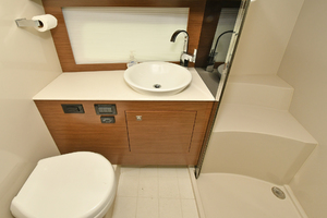 Cruisers 390 Express-2015-Excess Staten Island-New York-United StatesHead with Stall Shower  1095202 thumb