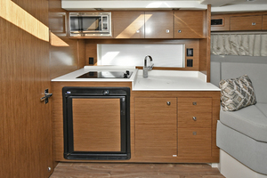 39' Cruisers 390 Express 2015 Galley
