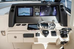 41' Intrepid 410 Evolution 2017 Simrad Electronics