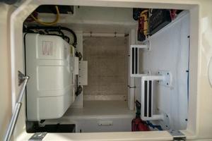 41' Intrepid 410 Evolution 2017 Generator Compartment