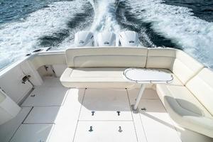 41' Intrepid 410 Evolution 2017 Cockpit