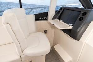 41' Intrepid 410 Evolution 2017 Electric Seat Forward