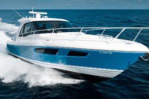 41' Intrepid 410 Evolution 2017 Port Bow