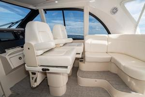 41' Intrepid 410 Evolution 2017 Helm Seat Converts to Additional Storage
