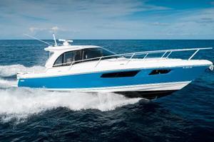 41' Intrepid 410 Evolution 2017 Port Profile