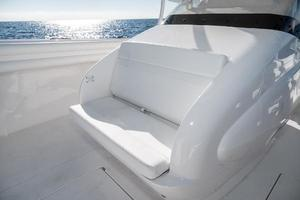 40' Intrepid 400 Center Console 2016 Console Forward Seating