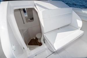 40' Intrepid 400 Center Console 2016 Electrically Opens for Head Access