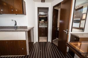 48' Cruisers Yachts 48 Cantius 2012 VIP Stateroom and Head