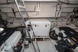 48' Cruisers Yachts 48 Cantius 2012 Engine Room Entrance