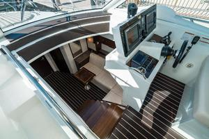 48' Cruisers Yachts 48 Cantius 2012 Lower Salon Entrance