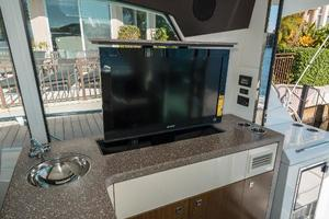 48' Cruisers Yachts 48 Cantius 2012 Pop-Up Sony TV