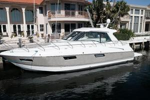 48' Cruisers Yachts 48 Cantius 2012 Port Bow