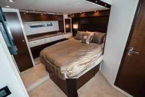 48' Cruisers Yachts 48 Cantius 2012 Queen Berth