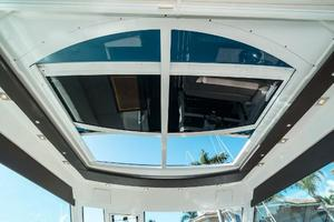 48' Cruisers Yachts 48 Cantius 2012 Sunroof Open