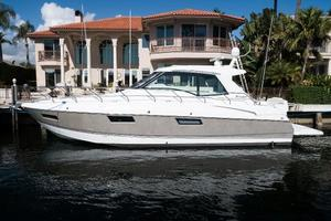 48' Cruisers Yachts 48 Cantius 2012 Port Profile