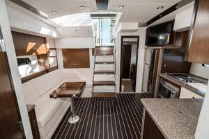 48' Cruisers Yachts 48 Cantius 2012 Head to Stbd