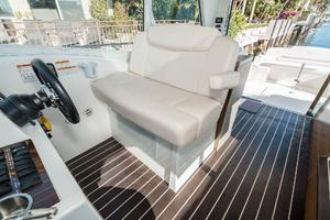 48' Cruisers Yachts 48 Cantius 2012 Helm Seat