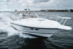 39' Intrepid 390 Sport Yacht 2009 Port Bow
