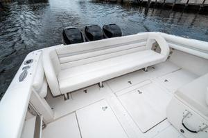 39' Intrepid 390 Sport Yacht 2009 Cockpit Bench Seat
