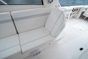 41' Intrepid 390 Sport Yacht 2009 Electric Backrest