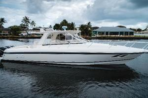 39' Intrepid 390 Sport Yacht 2009 Port Profile at Rest