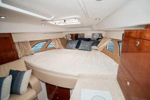 39' Intrepid 390 Sport Yacht 2009 Hull-Side Windows