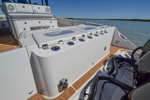 42' Hydra-sports 4200 Siesta 2018 Rod Holders