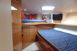 55' Viking Convertible 2000 Forward VIP Stateroom.