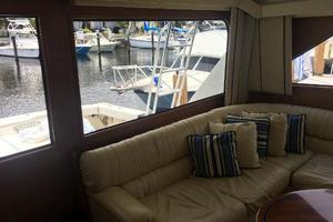 55' Viking Convertible 2000 Salon To Port.