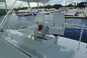 55' Viking Convertible 2000 Twin Captains Chairs