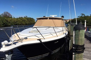 35' Tiara Express 2001 Bow View with Sunbrella Cover