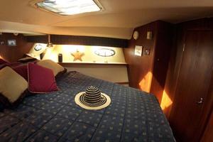 35' Tiara Express 2001 Master Stateroom to Starboard
