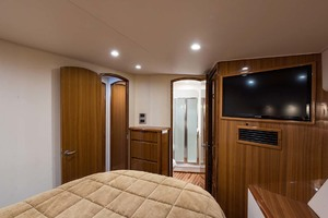 photo of Viking-Convertible-2009-Hammer-Time-Stuart-Florida-United-States-Master-Stateroom-1103145