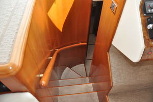 65' Fairline Squadron 1995 Accommodation Steps
