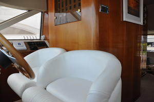65' Fairline Squadron 1995 Helm Seat